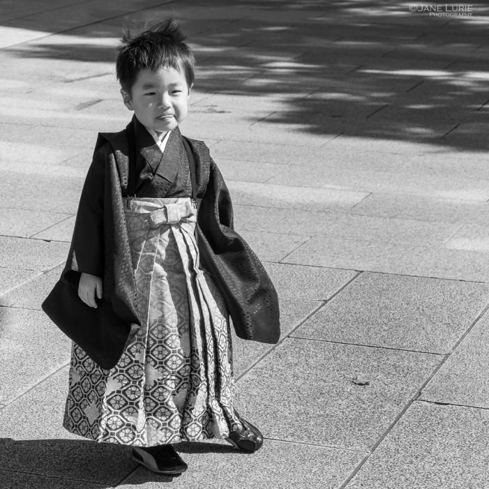 FujifilmX-T2, Japan, Photography, Black and White, Monochrome, City, Tokyo, Kyoto, Street, Portrait, Lines, Shadows